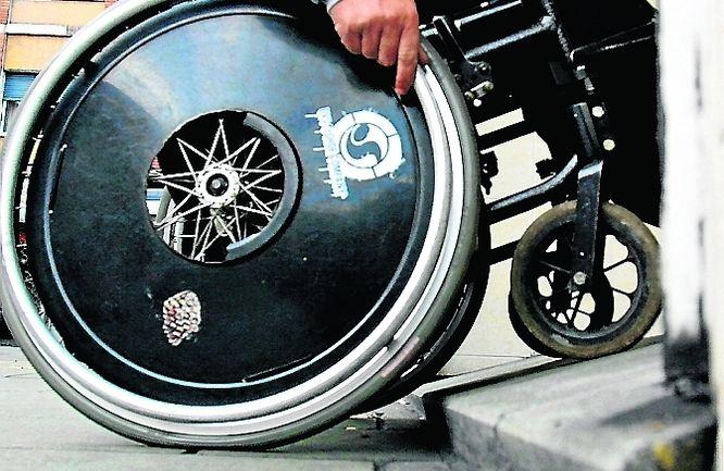 Silla de ruedas./DIVINO 05